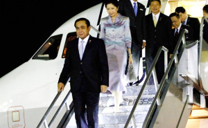 PM Prayuth arrives in Manila