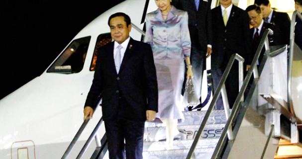 PM Prayuth arrives in Manila