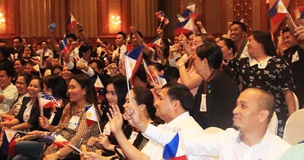 Filipinos in Thailand waiting for Tatay Digong