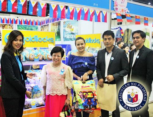 Red Cross bazaar Siam Paragon
